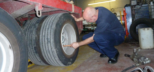 VE testing wheel nuts of heavy vehicle