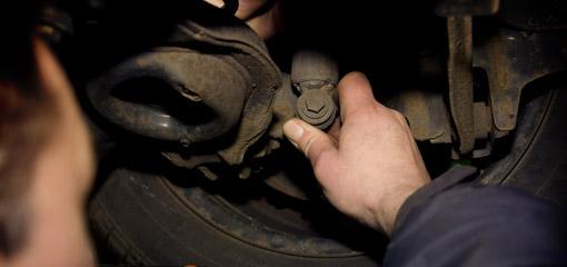 loose wheel on car